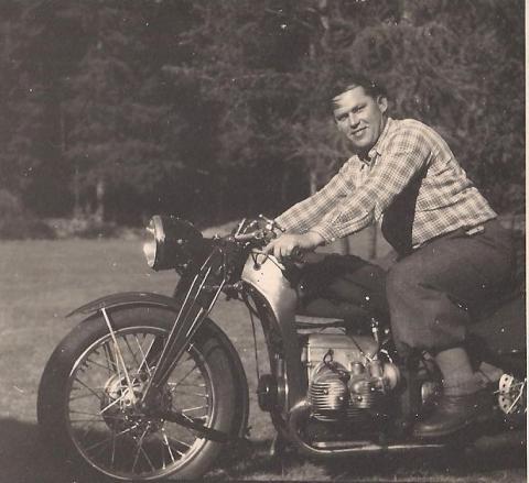 - (Motorrad, wert)