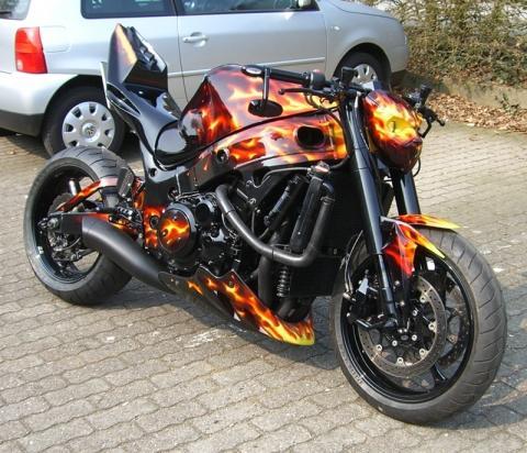 - (Umbau, Naked Bike, S1000RR)