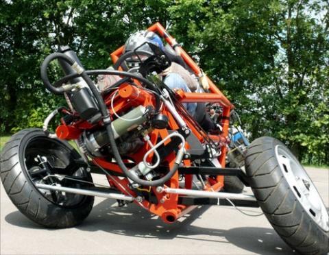 X-By-Wire Fz. mit Neigetechnik (Quelle s. Link) - (Getriebe, Dieselmotorrad, Motorradgetriebe)
