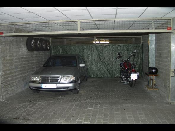 wie teuer ist ein stellplatz in einer privaten garage in. Black Bedroom Furniture Sets. Home Design Ideas