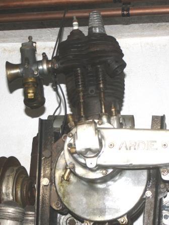 stehende Ventile Nockenwelle unten - (Zweiradmotortechnik, DOHC und OHC)