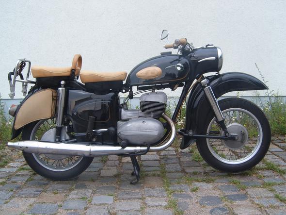 MZ 250 ES - (PS, ccm, erstes Motorrad)