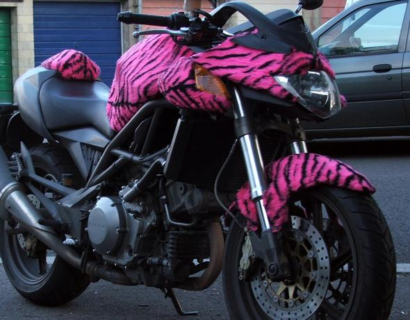 Bike im Kleid - (Kleidung, Ausrüstung)