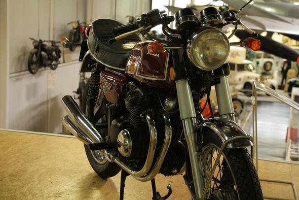ne Lütte mit vier - (Motorrad, Sitzhöhe, Vierzylinder)