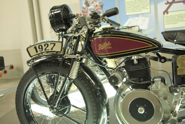 Gillet - (Motorrad, Geschichte)