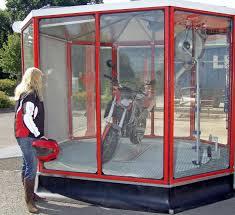 automatische Waschanlage - (Motorrad, waschen)