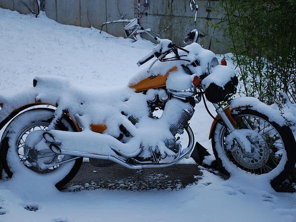 Bike-Schnee2 - (Motorrad, Regen, Winterfest)