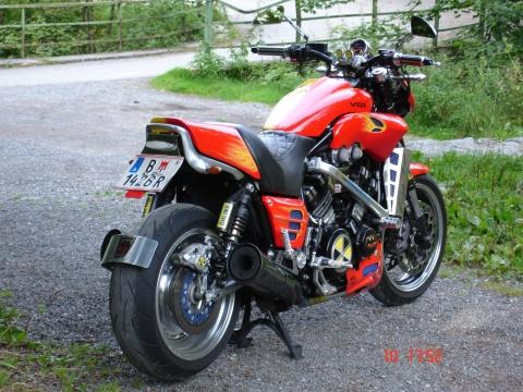 Bilduntertitel eingeben... - (Ladegerät Batterie Motorrad, Batterie Motorad ausbauen, Batterieladegerät Motorrad Einsatz)
