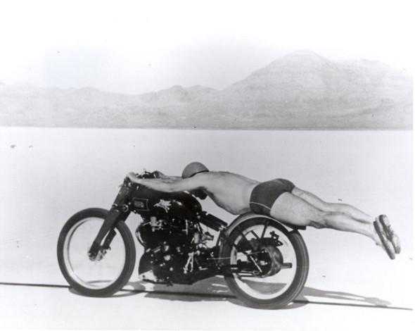 - (Motorrad, Naked Bike, Aussehen)