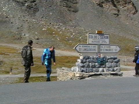 Bilduntertitel eingeben... - (Motorradtour, Bikerunterkünfte, route  grandes alpes)
