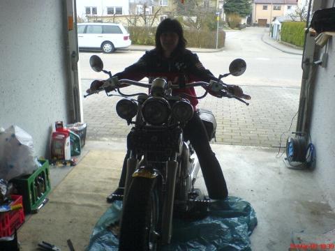 Bilduntertitel eingeben... - (Sitzhöhe Motorrad reduzieren, Sitzhöhe Motorrad veringern, Sitzhöhe niedriger Motorrad)