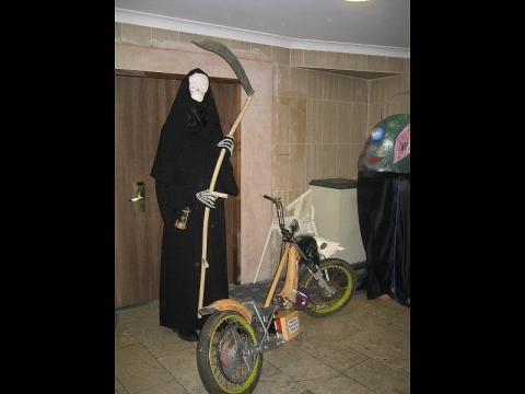 - (Motorrad, Alarmanlage, Vandalismus)