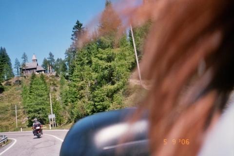 - (Rucksack Motorrad Motorradtour, Unfall Sturz Verletzung)