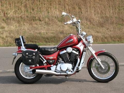 - (Honda, VT1300CX, Honda Fury Konzept)