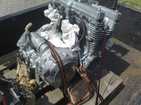 xj-Motor nach dem Eisstrahlen - (Krümmer, Sandstrahlen)