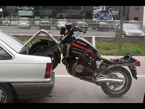 - (Motorrad, anhänger, Pech)