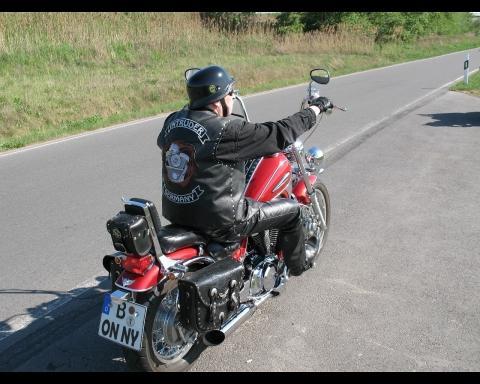 - (Helm, Autobahn, Sichtbarkeit)