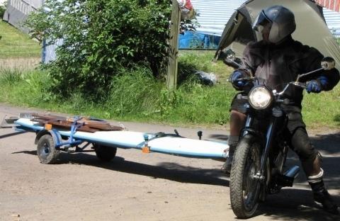 darf man mit dem motorrad eigentlich einen h nger ziehen anh nger. Black Bedroom Furniture Sets. Home Design Ideas