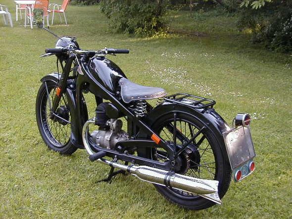 ab wie viel ccm habe ich ein motorrad oldtimer. Black Bedroom Furniture Sets. Home Design Ideas