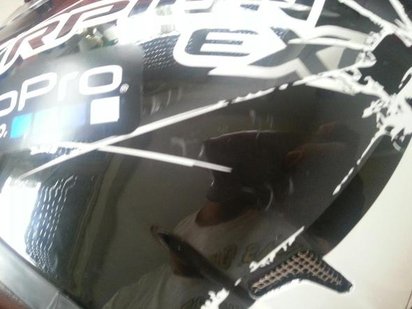 Helm - (Helm, Beschädigung, runtergefallen)