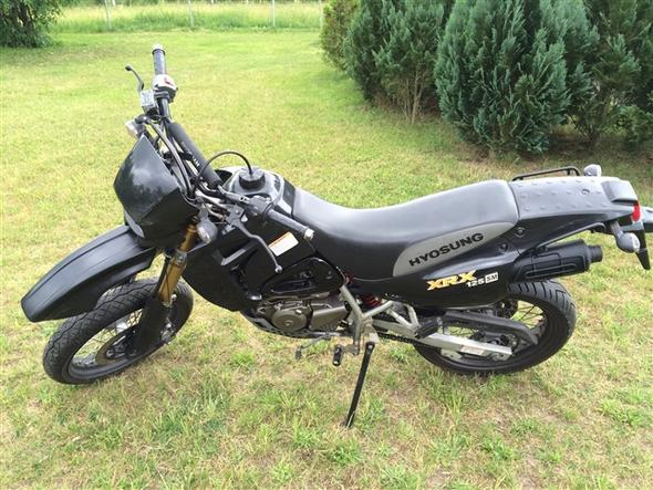 Von Links. - (Motorrad, Supermoto, Umbau)