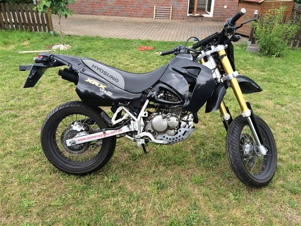 Von rechts. - (Motorrad, Supermoto, Umbau)