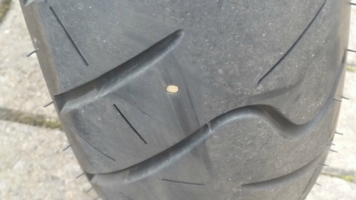 Was tun bei einem Metallstück im Reifen?