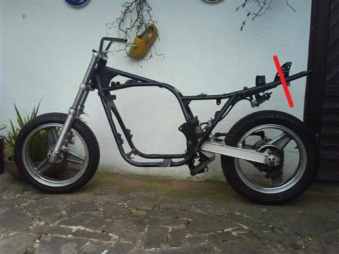 - (Kawasaki, Umbau, GPZ 750 UT)