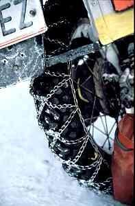 Schneeketten am Motorrad sinnvoll?
