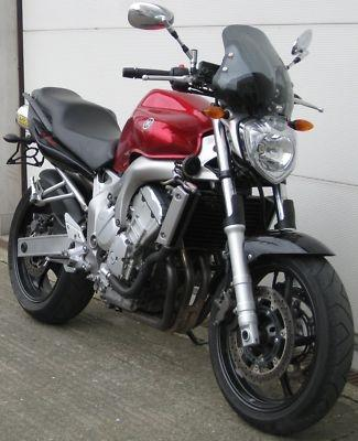 - (Motorrad, Motor, Yamaha)