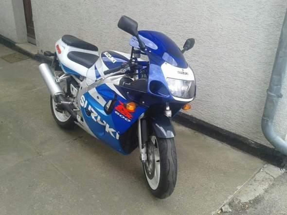 - (Startprobleme, Suzuki GSX-R)