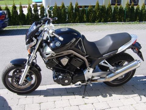 Suche Ein Handbuch Der Yamaha 1100 BT Bulldog