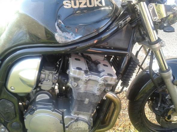 Tank - (Suzuki, Unfall, Bandit)