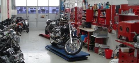 Wann gebt ihr euer Motorrad in die Werkstatt?