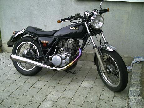 - (Yamaha SR 500)