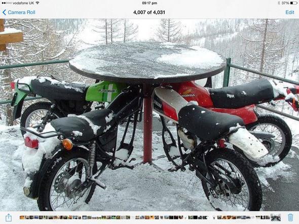 Motorradstammtisch - (Motorradstammtisch, Sitzgelegenheit)