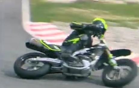 - (Supermoto, Schräglage Motorrad Reifen)