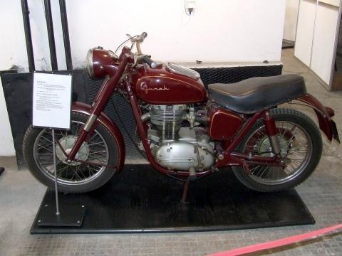 - (Kaufen, Junak M07, Polnisches Motorrad)